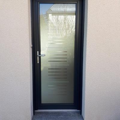 Porte d''entrée en Aluminium vitrée K.Line - Pontivy