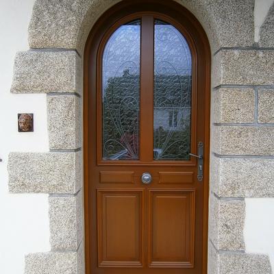 Porte d''entrée à Saint Jean Brévelay
