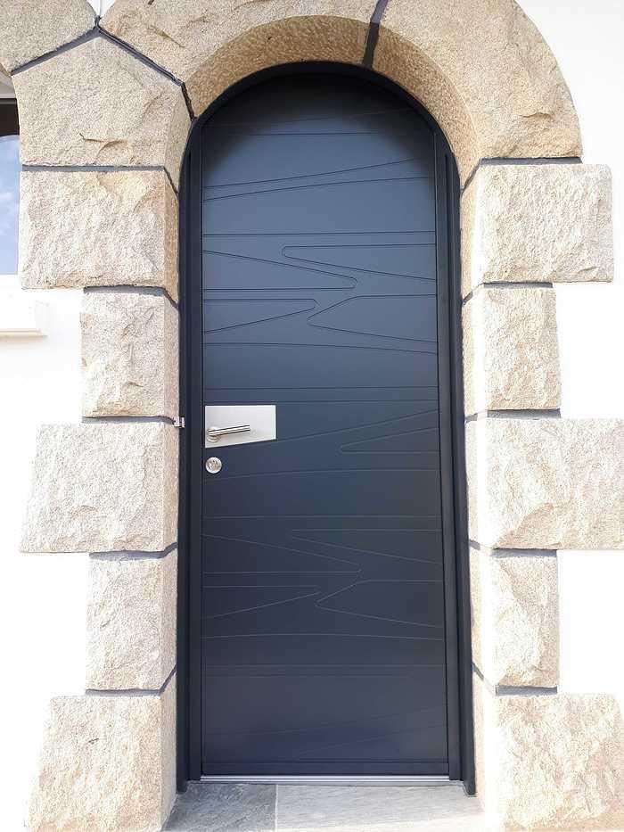 Porte d''entrée en Aluminium K.Line 2 couleurs - Loudéac 20181211151153