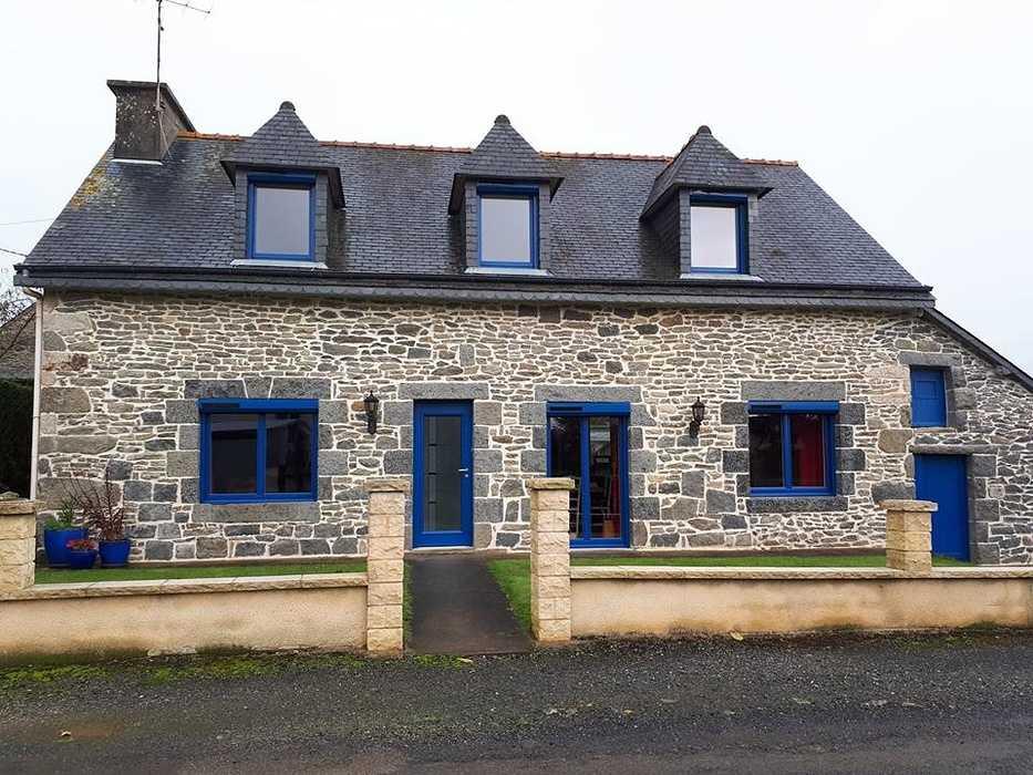 Fenêtres, porte d''entrée en ALU Bel''M et volets roulants solaires - Saint Jacut du mené, Côtes d''Armor 0