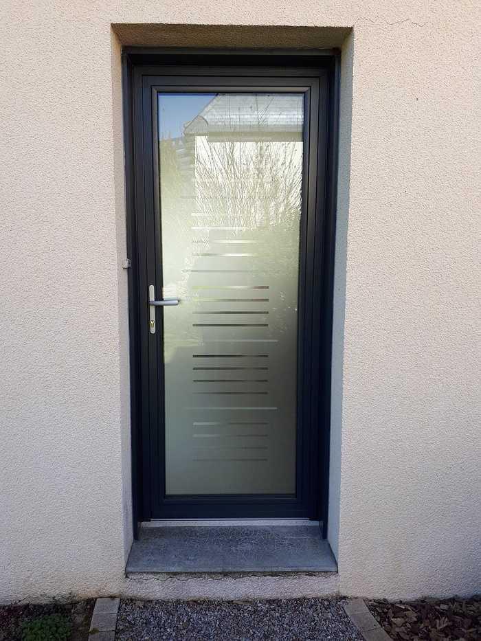 Porte d''entrée en Aluminium vitrée - Pontivy 0