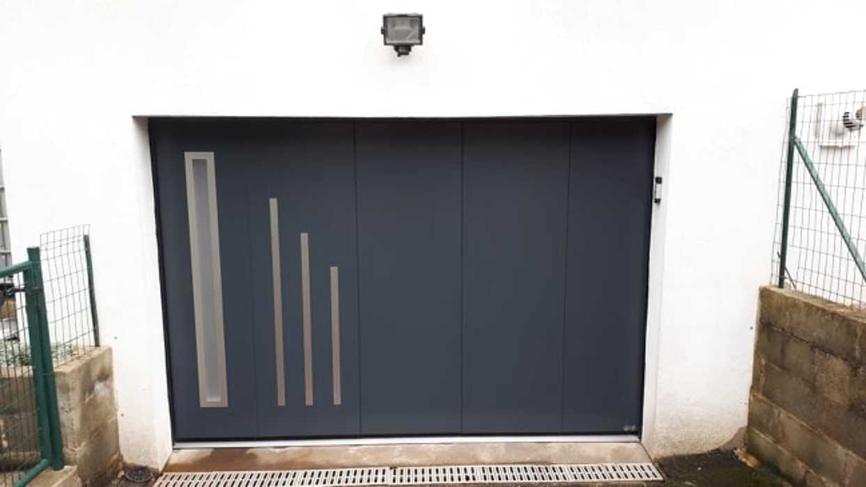 Porte de garage Latérale motorisée en acier - Pontivy (56) 0