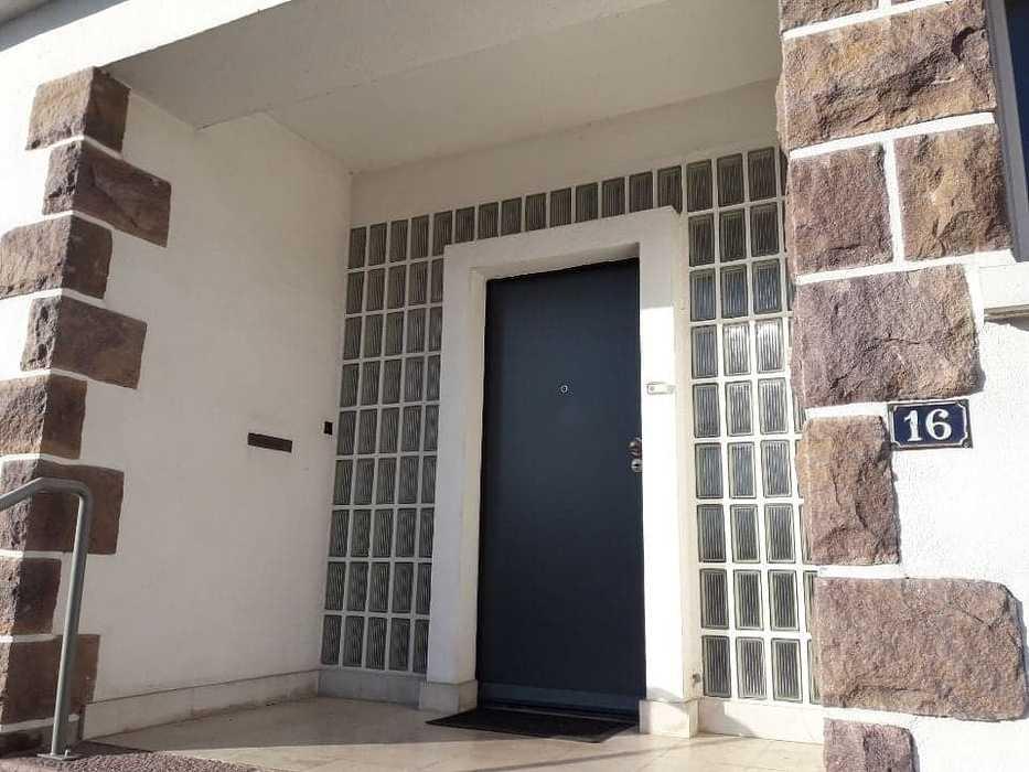 Installation d''une porte d''entrée K.Line à Loudéac (22) 836422932268293883188013427899122189860864n