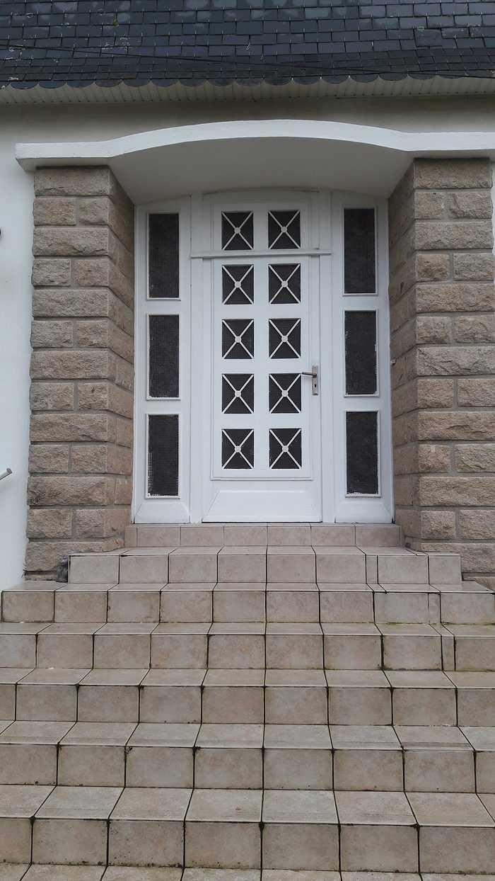 Rénovation d''une porte d''entrée - Rostrenen 170