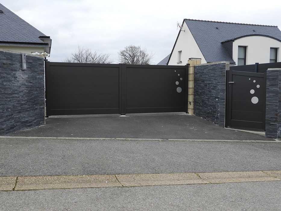 Installation portail et portillon en aluminium - Réguiny (56) 0