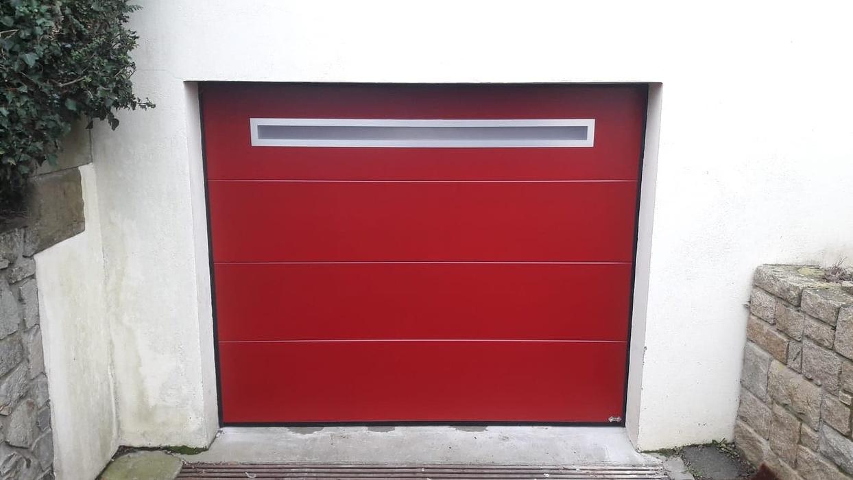 Porte de garage sectionnelle plafond motorisée - Loudéac (22) 0
